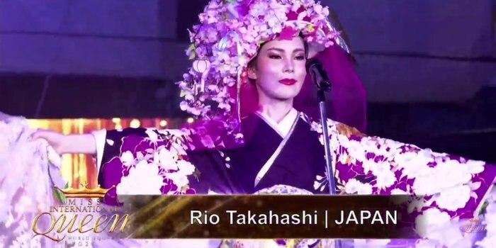 Hoài Sa tỏa sáng rực rỡ với phần thi quốc phục tại Hoa hậu Chuyển giới Quốc tế 2020-12