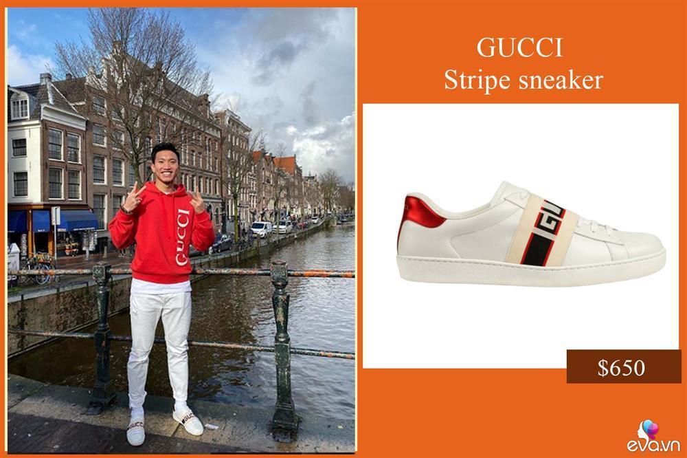Vừa được đá chính, Văn Hậu đã lên đồ sang chảnh với cả cây Gucci dạo phố Hà Lan-2