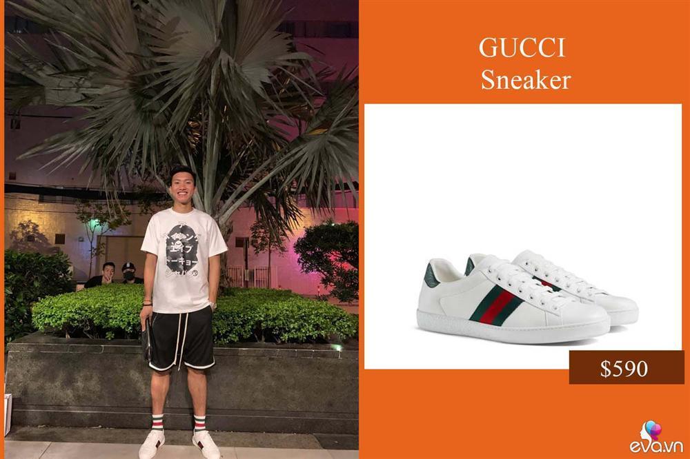 Vừa được đá chính, Văn Hậu đã lên đồ sang chảnh với cả cây Gucci dạo phố Hà Lan-7