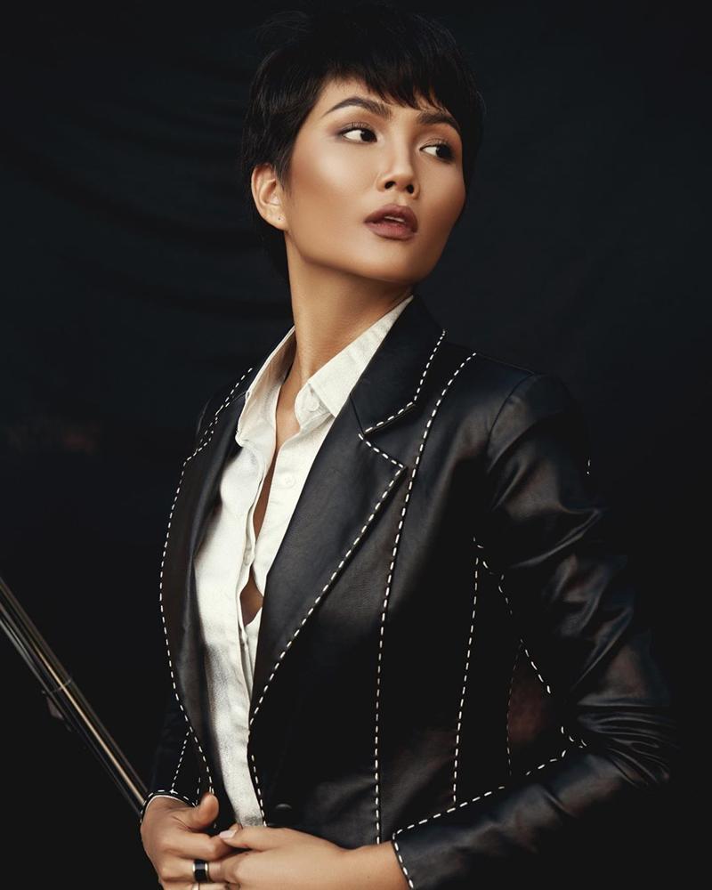 Chán hình ảnh bánh bèo, HHen Niê được fan khen nức nở với phong cách nữ tổng tài-2