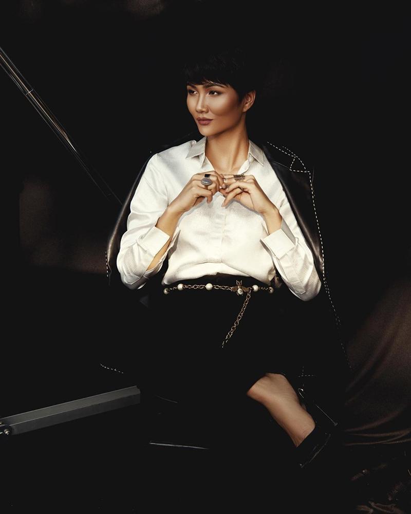 Chán hình ảnh bánh bèo, HHen Niê được fan khen nức nở với phong cách nữ tổng tài-4