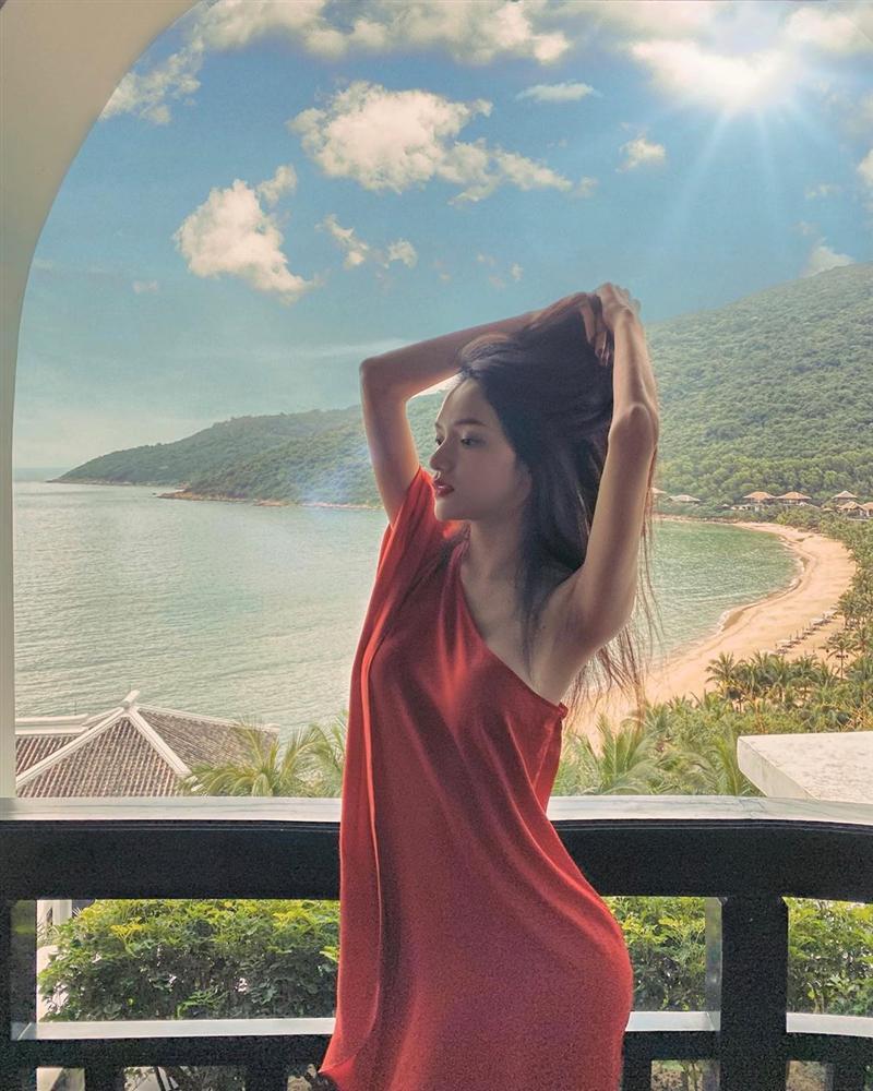 Khuyết điểm sắc vóc của Hương Giang lại là lợi thế của mọi hoa hậu-4