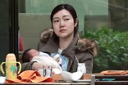 Hoa hậu Hong Kong thuê ba giúp việc chăm ba con