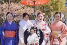 Khoe ảnh vi vu tới Nhật, Huyền Baby liền bị 'lép vế' trước mẹ ruột và 2 chị em gái