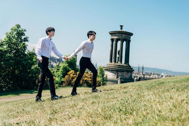 Tình yêu 12 năm của đôi đồng tính nam nổi tiếng châu Á-7