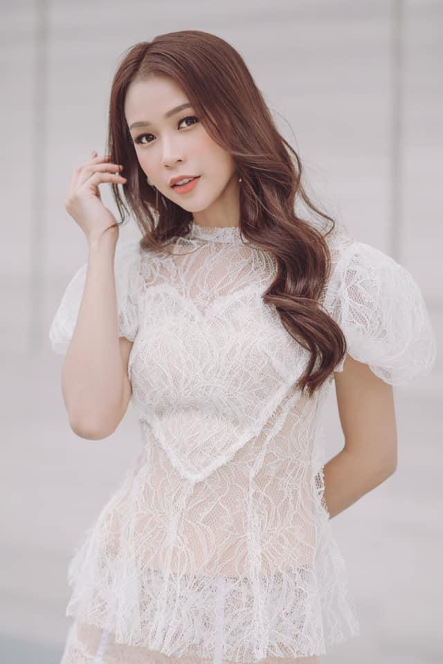 SAO MAKE OVER: Lâm Khánh Chi trang điểm như dọa ma - Lông mày của Miu Lê đâu rồi?-10