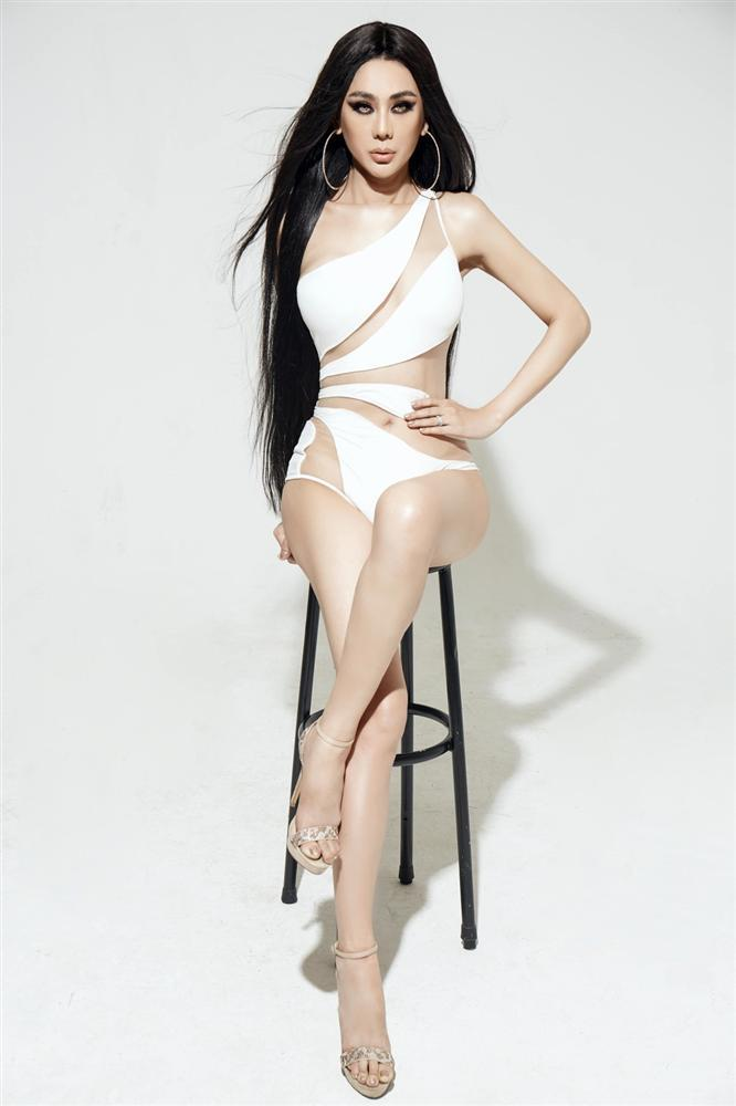 SAO MAKE OVER: Lâm Khánh Chi trang điểm như dọa ma - Lông mày của Miu Lê đâu rồi?-3