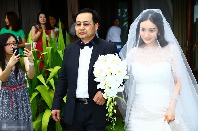 Dương Mịch ly hôn vì Lưu Khải Uy không tôn trọng cha mẹ vợ?-2