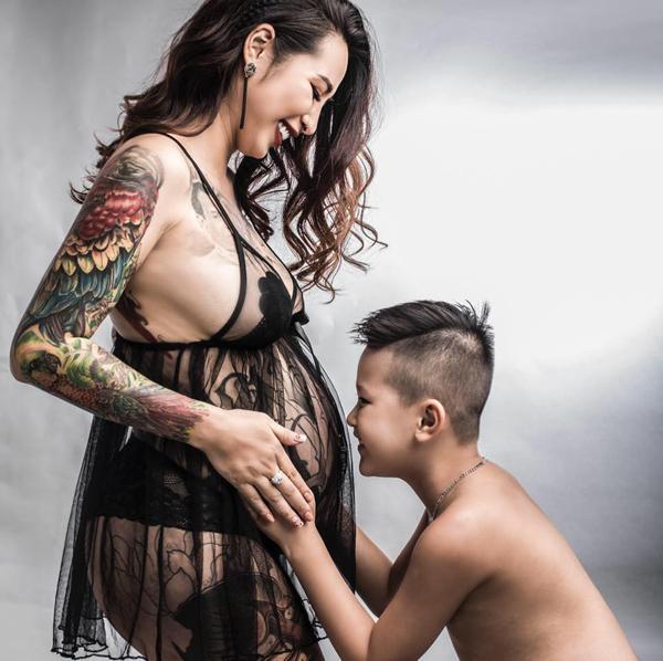Cô gái Vĩnh Phúc xăm mặt người thân lên ngực: Lâu không xăm là thấy thèm và nhớ-5
