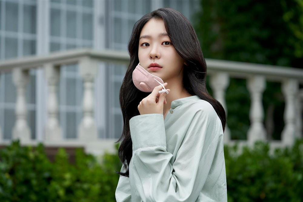 Khác hoàn toàn hình ảnh nữ quái trong Itaewon class, Kim Da Mi ngoài đời đẹp thuần khiết-7