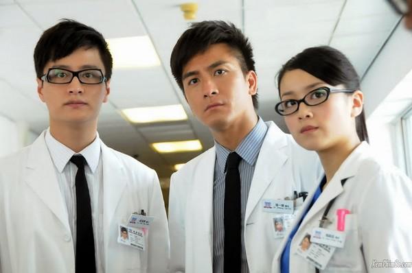 Giữa mùa dịch corona, càng thấy thương những bác sĩ trong phim về y khoa của TVB-6