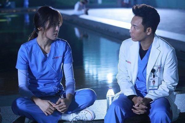 Giữa mùa dịch corona, càng thấy thương những bác sĩ trong phim về y khoa của TVB-8