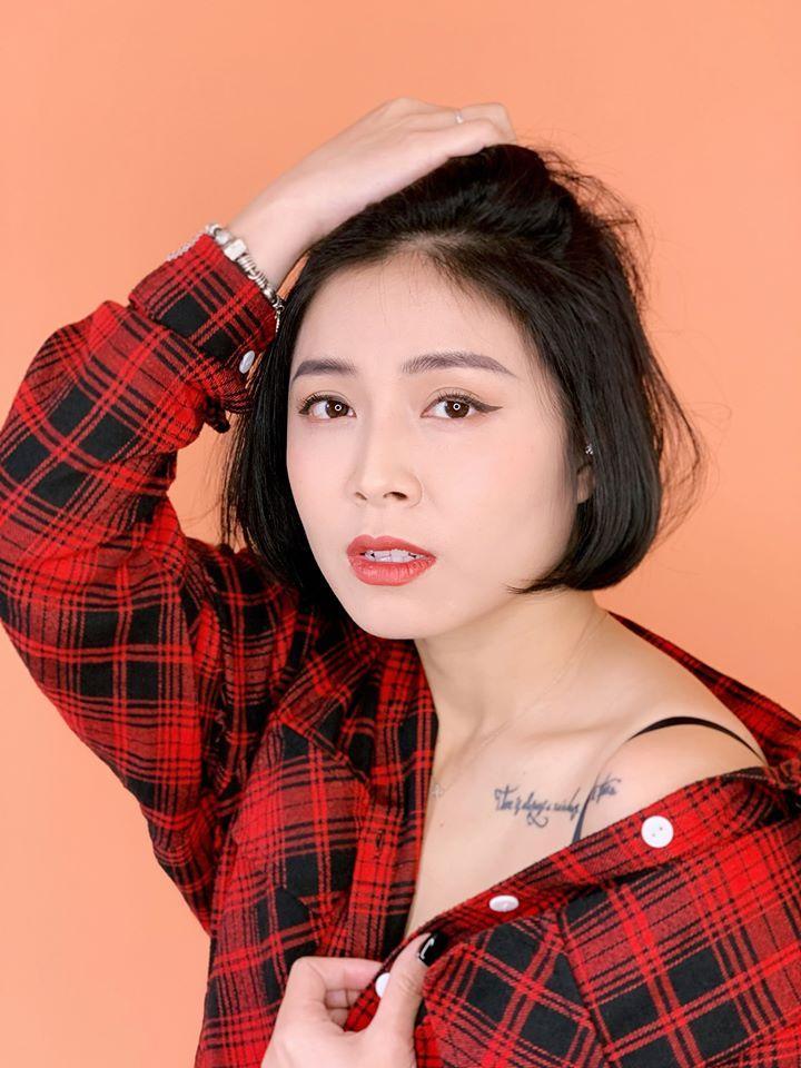 MC Hoàng Linh tung bộ ảnh khoe vai trần và vòng 1 gợi cảm-2