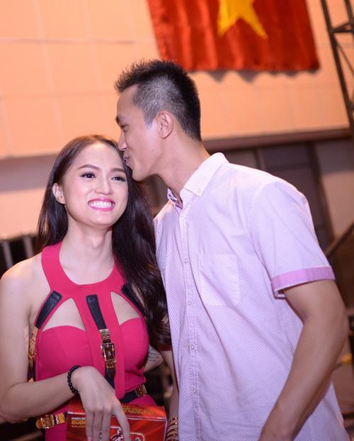 Tình cũ Hương Giang - Việt kiều Criss Lai phản ứng khi Hoa hậu công khai bạn trai mới-4
