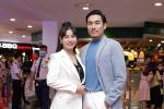 Cát Phượng hộ tống Kiều Minh Tuấn ra mắt phim mới giữa mùa dịch corona