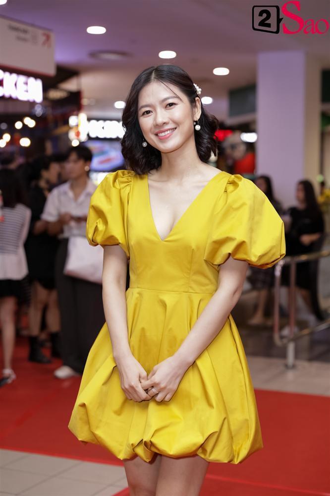 Cát Phượng hộ tống Kiều Minh Tuấn ra mắt phim mới giữa mùa dịch corona-7