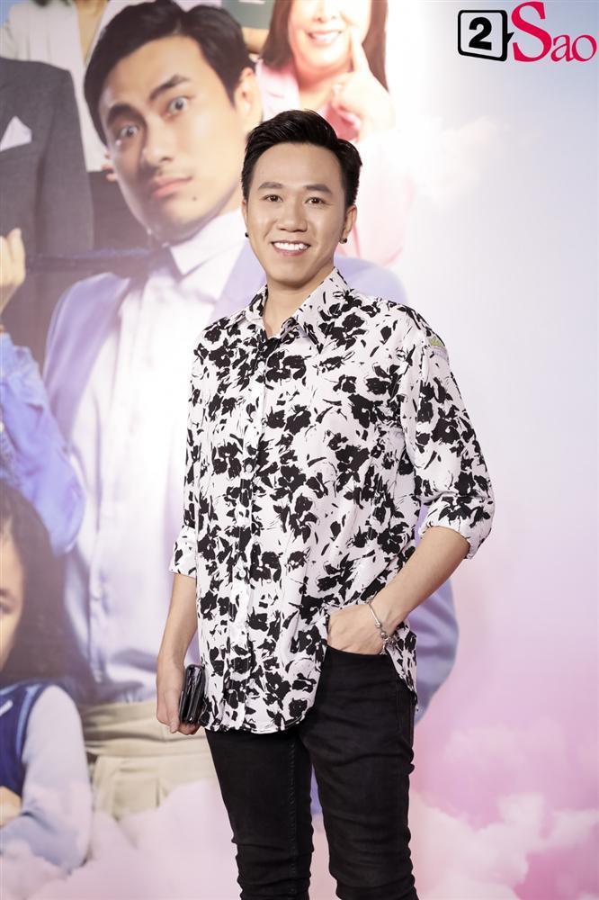 Cát Phượng hộ tống Kiều Minh Tuấn ra mắt phim mới giữa mùa dịch corona-10