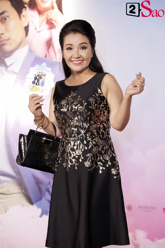 Cát Phượng hộ tống Kiều Minh Tuấn ra mắt phim mới giữa mùa dịch corona-16