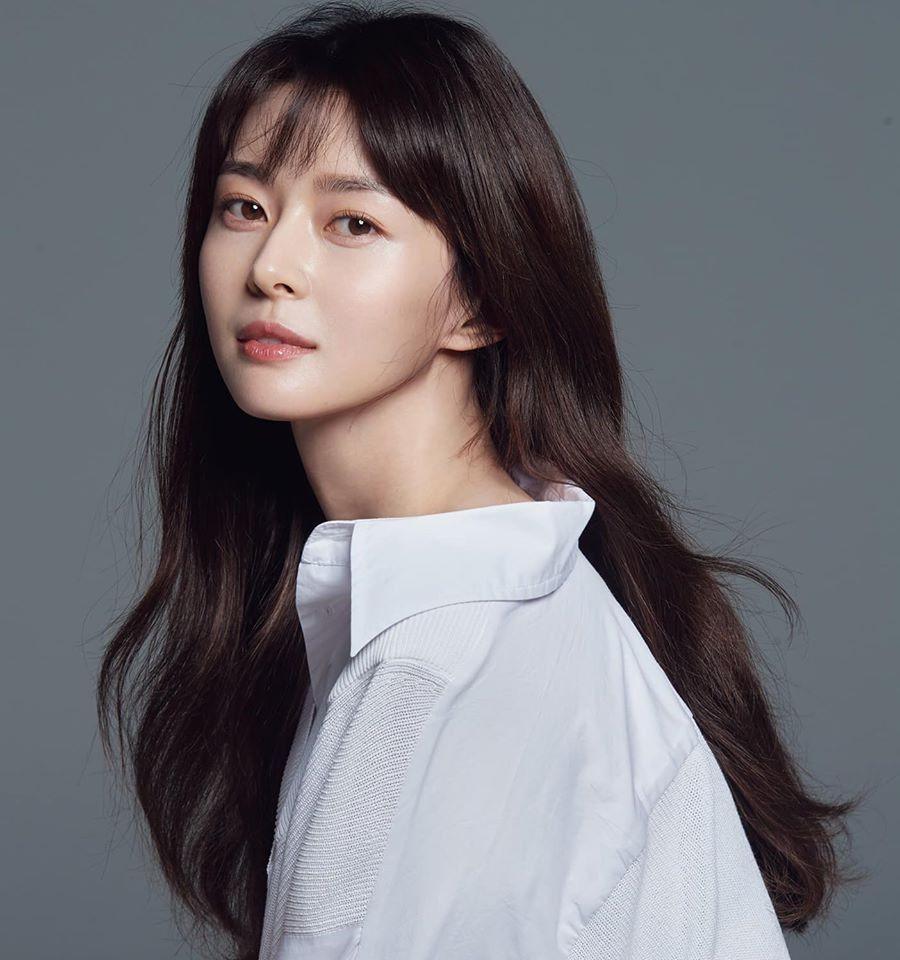 Nữ phụ Itaewon Class: Mặt mộc xuất sắc, thân hình nóng bỏng, từng hẹn hò Lee Jong Suk-1