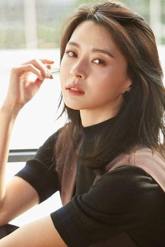 Nữ phụ Itaewon Class: Mặt mộc xuất sắc, thân hình nóng bỏng, từng hẹn hò Lee Jong Suk-8