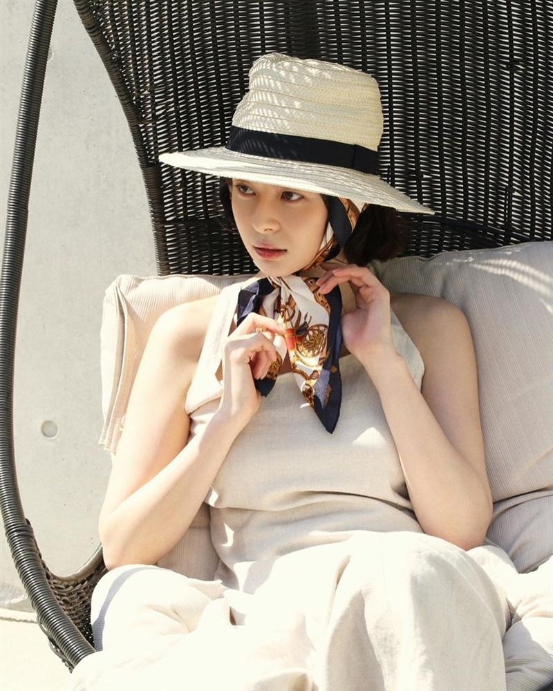 Nữ phụ Itaewon Class: Mặt mộc xuất sắc, thân hình nóng bỏng, từng hẹn hò Lee Jong Suk-14