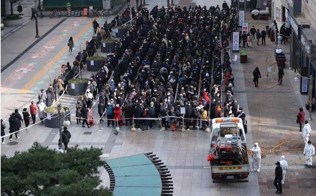 4 bệnh nhân Hàn Quốc qua đời tại nhà vì thiếu giường bệnh, bác sĩ đòi nghỉ vì quá mệt-2