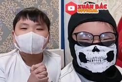 Nằm nhà xem phim về đại dịch cúm, con trai Xuân Bắc vẫn đeo khẩu trang để tránh lây nhiễm