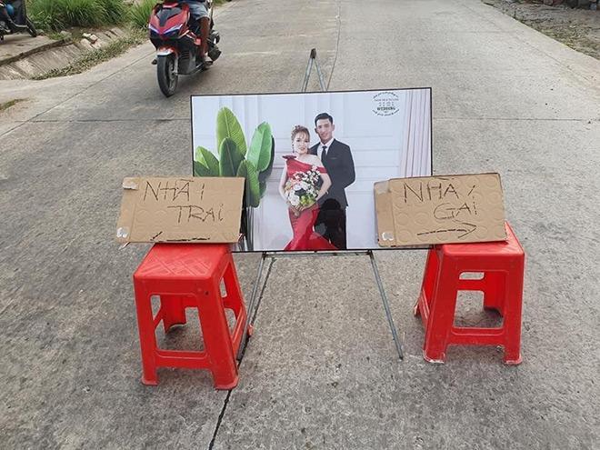 Đám cưới đối diện nhà nhau, cô dâu chỉ mất 10 giây để về thăm ngoại-2