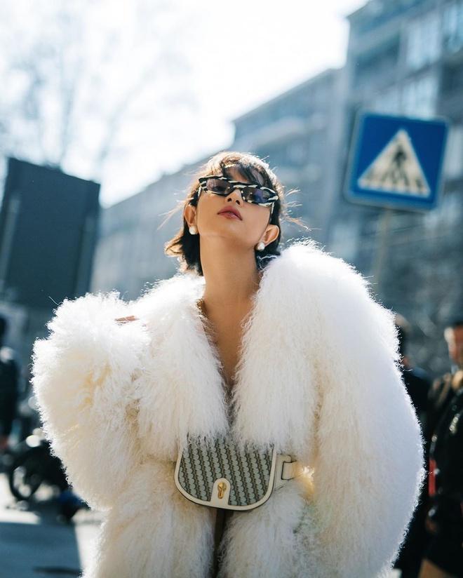 Bộ cánh nào của Châu Bùi và Khánh Linh đủ gây ấn tượng ở Pháp, Italy?-2