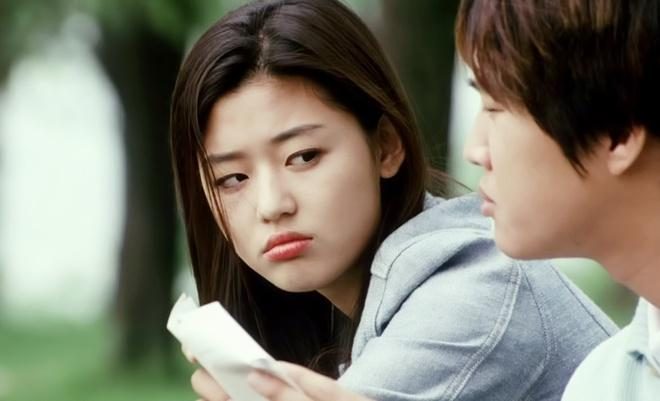 Ảnh Jeon Ji Hyun năm 20 tuổi gây chú ý-4