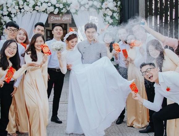 Cặp đôi duy nhất bước ra từ Người ấy là ai tổ chức đám cưới, chứng minh cổ tích là có thật-6