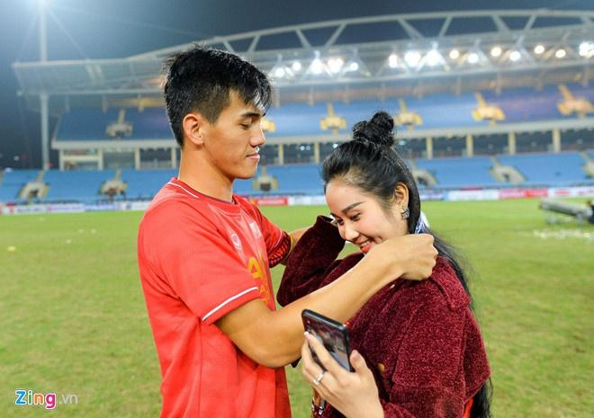 Tiến Linh, Văn Lâm và các cầu thủ có tình yêu chị em-3