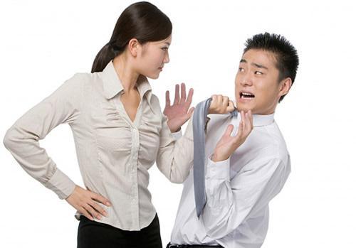 Phát sốt vì vợ ra rả như cái đài, chồng tìm đủ cách tắt tiếng không thành-1