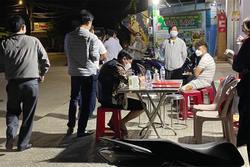 Phát hiện 3 người Trung Quốc không hộ chiếu trên xe khách lúc nửa đêm