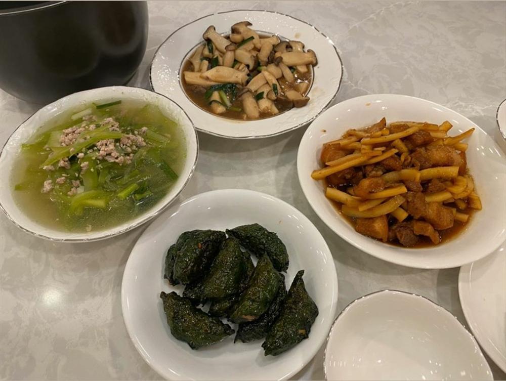 Lần đầu khoe ảnh nấu ăn cho Cường Đô La, Đàm Thu Trang khéo tay cỡ nào?-1