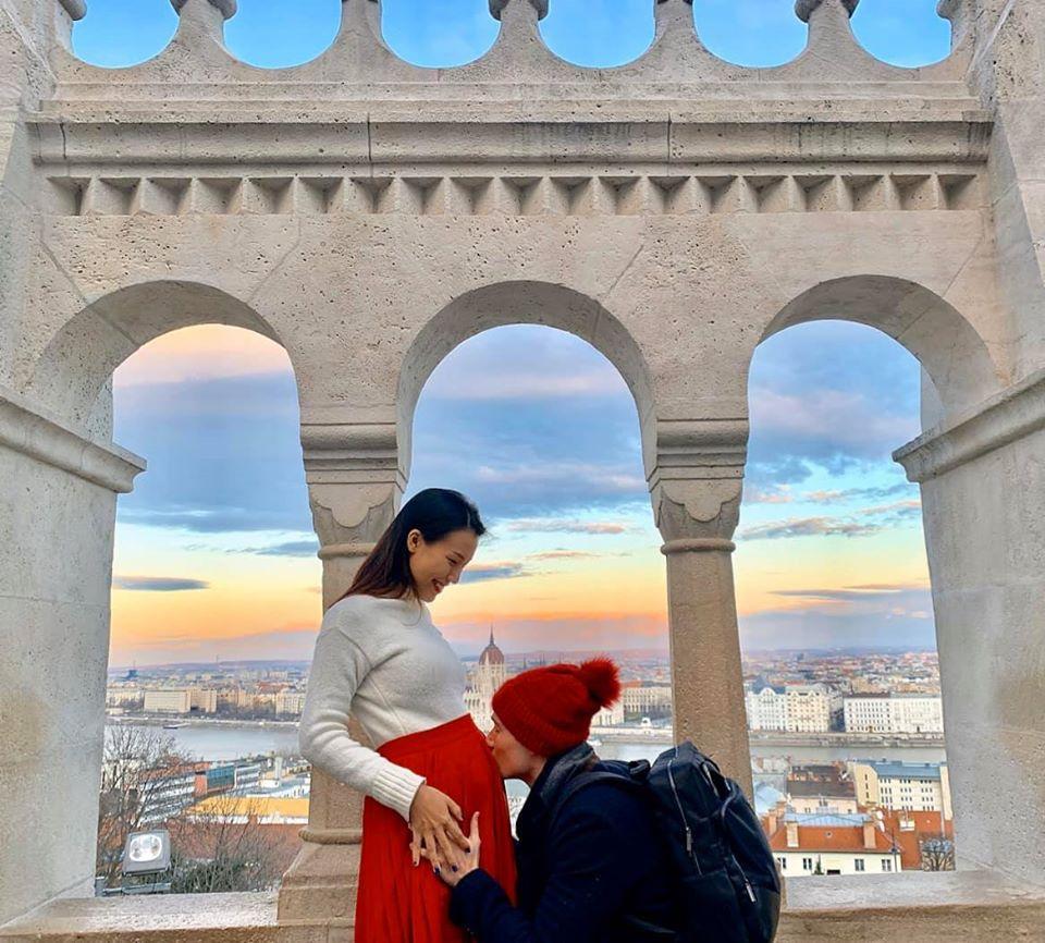 MC Hoàng Oanh đăng loạt ảnh hạnh phúc bên chồng Tây-5