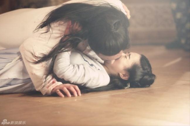 Chồng cũ Dương Mịch đứng đầu danh sách mỹ nam có cảnh hôn làm đau bạn diễn-12