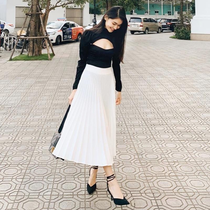 Lệ Quyên khoe street style nhưng bị soi photoshop méo chân - Phạm Hương lên đồ ngập tràn sắc hè-7