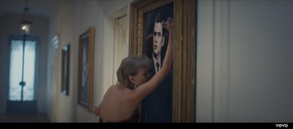 MV mới của AMEE vừa ra mắt đã bị bắt bài đạo nhái đến 80% Blank Space của Taylor Swift-7