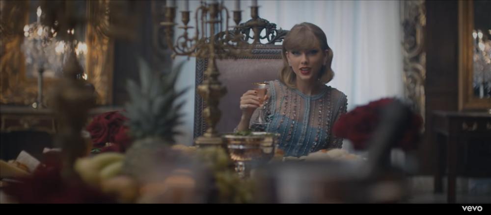 MV mới của AMEE vừa ra mắt đã bị bắt bài đạo nhái đến 80% Blank Space của Taylor Swift-3