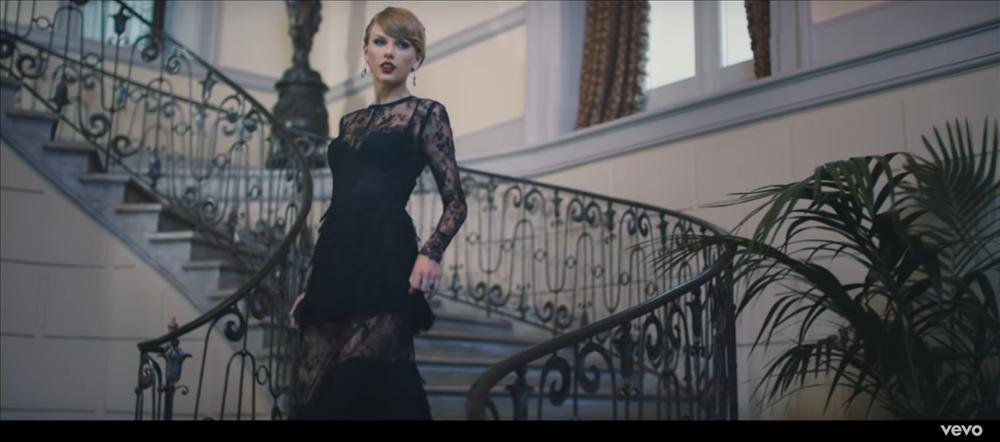 MV mới của AMEE vừa ra mắt đã bị bắt bài đạo nhái đến 80% Blank Space của Taylor Swift-1