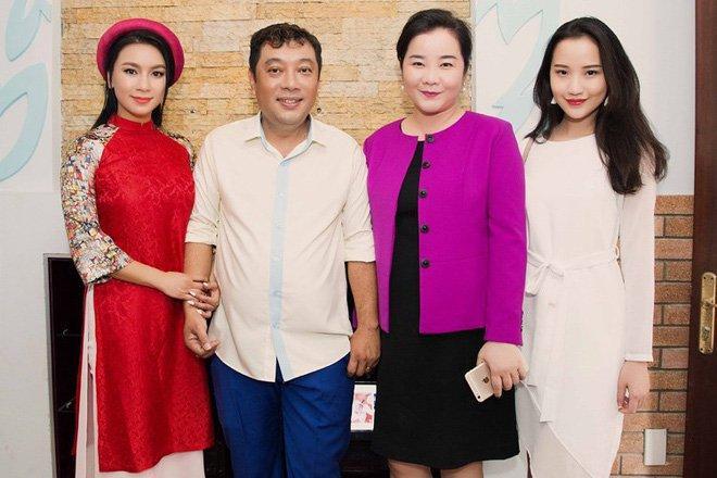 3 cặp mẹ con đại gia nổi tiếng MXH: Người ứng xử thanh lịch, người tự lập từ bé-12