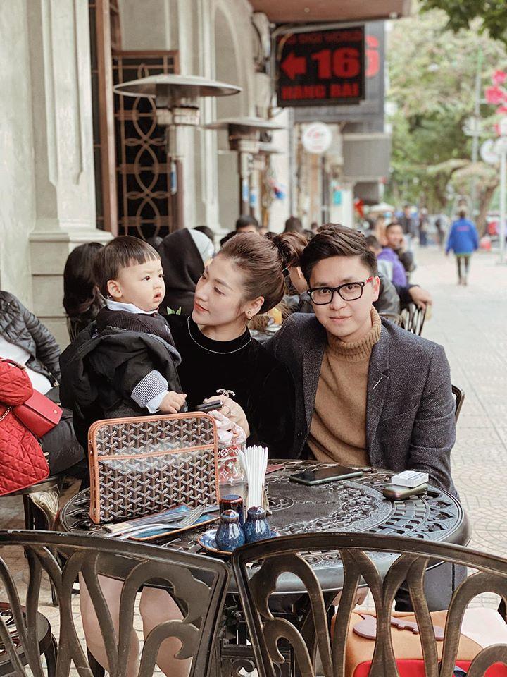 Á hậu Tú Anh chứng minh con trai chuẩn gene mẹ, nhìn thế nào cũng không lệch một ly-4
