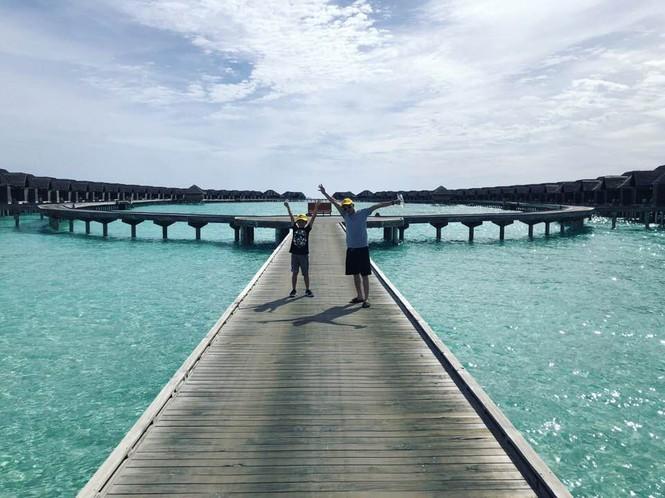 Hồ Ngọc Hà, Kim Lý và Subeo lên đồ ton-sur-ton chụp ảnh GIA ĐÌNH đẹp như tranh vẽ-9