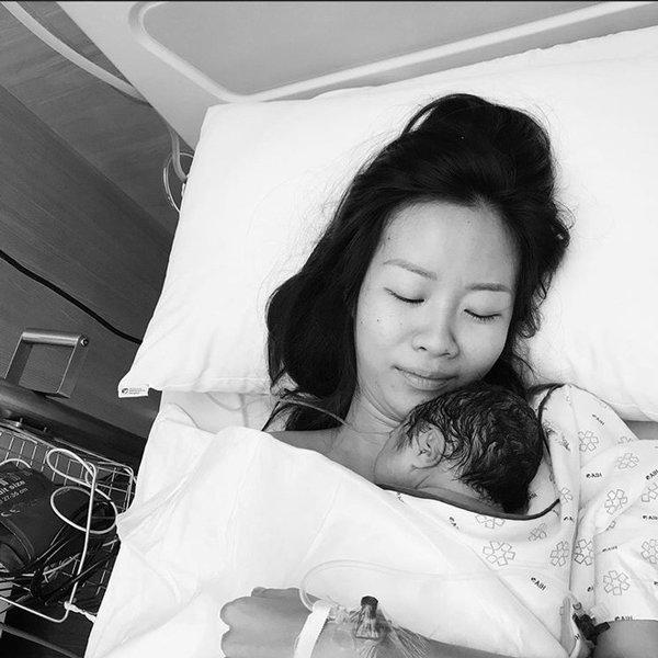 Nữ hoàng rap Việt lộ diện sau sinh, tạo dáng ngầu nhưng dân tình chỉ tập trung vào điều này-4