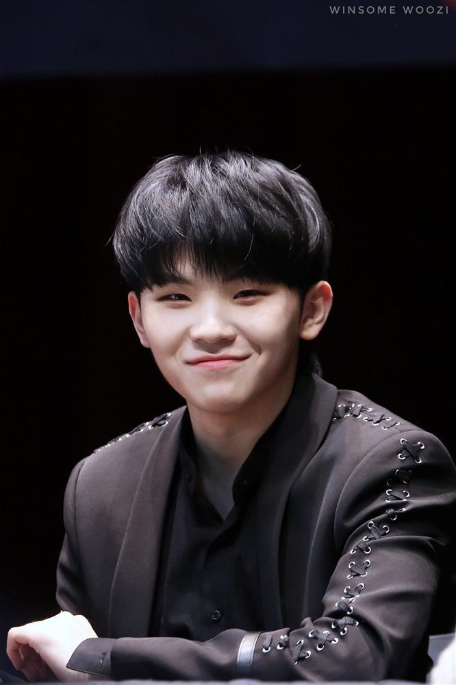 Những idol/nhóm nhạc fan Kpop ai cũng biết mặt nhưng luôn đọc sai tên-3