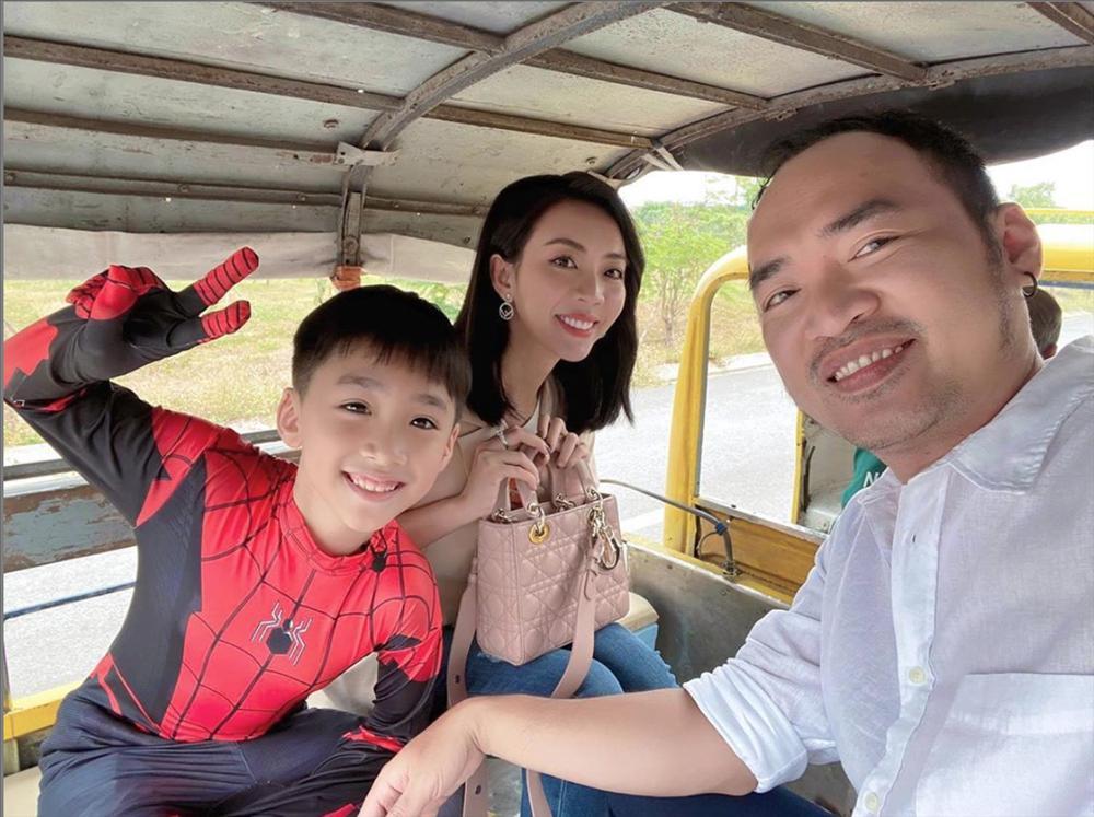 Từ bao giờ hoa hậu hài Thu Trang lại bớt phèn, sành điệu dát đầy hàng hiệu thế này?-2