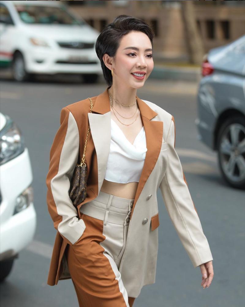 Từ bao giờ hoa hậu hài Thu Trang lại bớt phèn, sành điệu dát đầy hàng hiệu thế này?-4