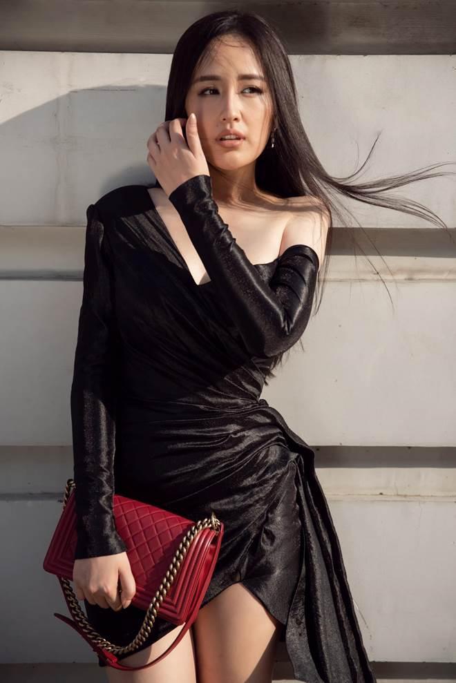 Chăm diện màu đen, Mai Phương Thuý ngày càng thăng hạng phong cách-7
