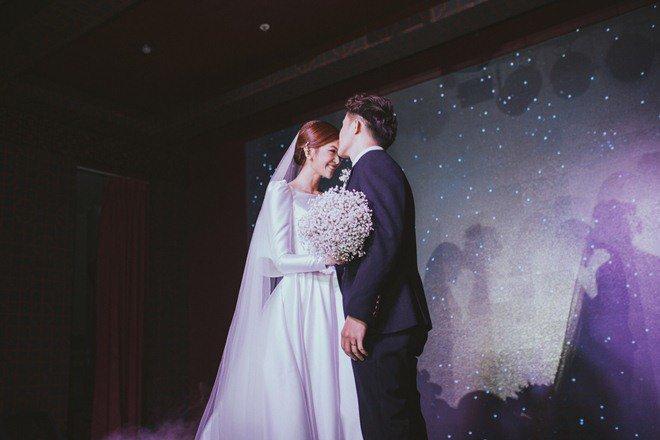 Đám cưới cổ tích xúc động của BTV Thời sự VTV Cẩm Tú và trai đẹp Người Ấy Là Ai-5